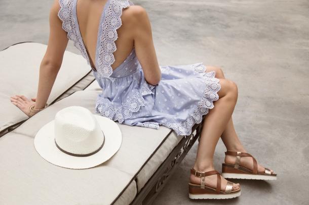 2 horizontal blue dress sandal